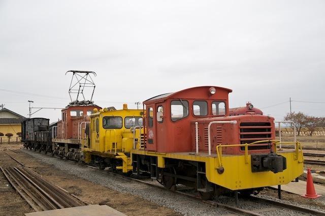 091031 若柳駅貨物側線に停まった保存車両