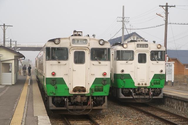 091101 会津坂下朝の列車交換