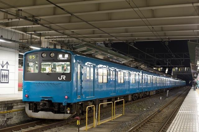 091121 蘇我駅停車中の京葉線201系