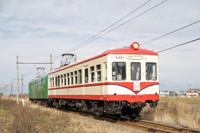 091122 大曲駅近くを走る十鉄臨時列車