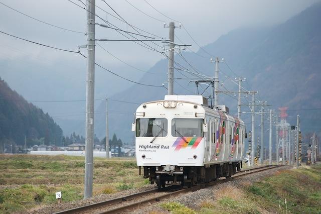 091128 渕東〜波田を走る松本電鉄3000系