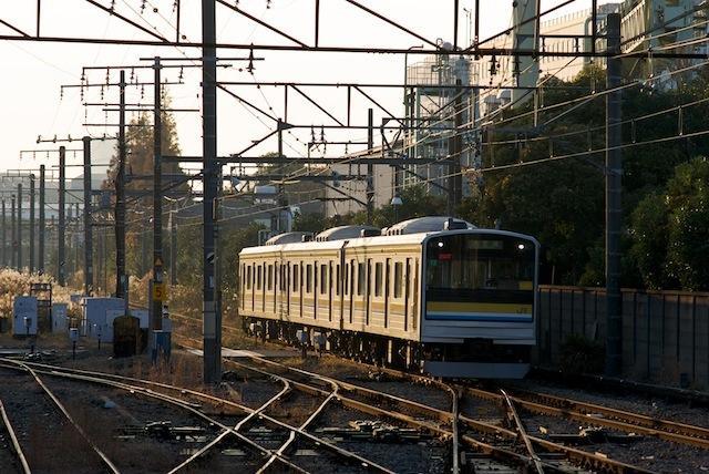 091206 浅野駅に入る海芝浦行き電車