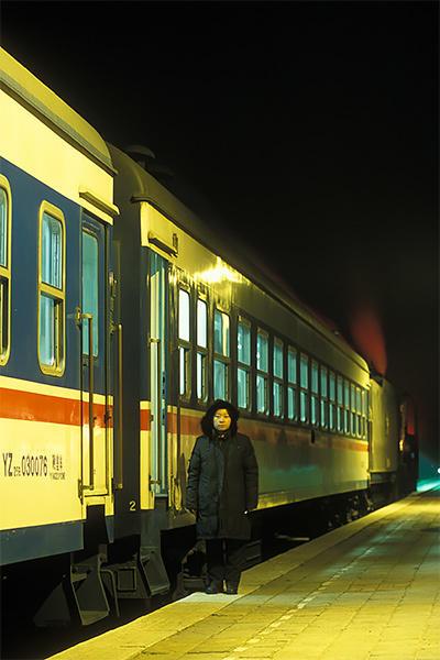 050102林東駅夜のホーム