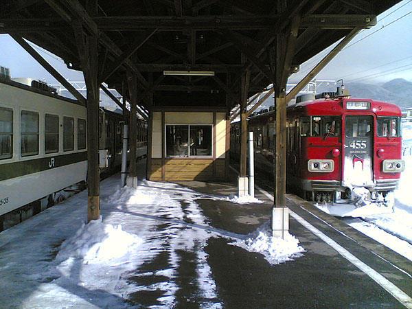 060212磐梯町駅ホーム