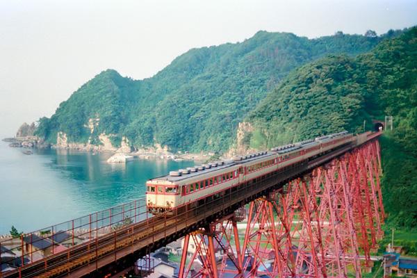 8608餘部鉄橋のキハ