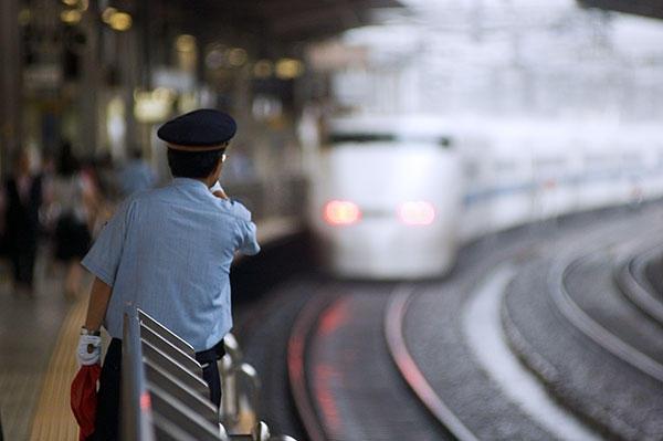 070714新幹線名古屋駅にて