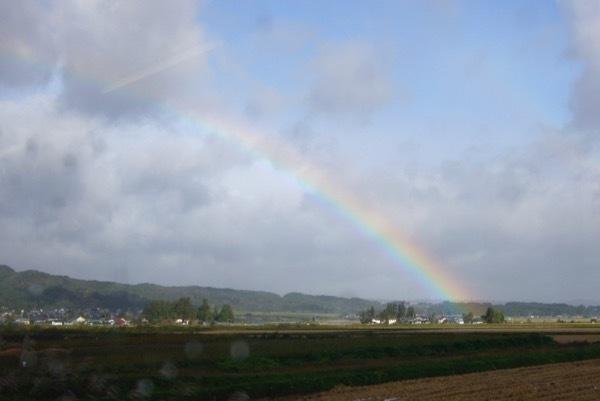 061008車窓の虹