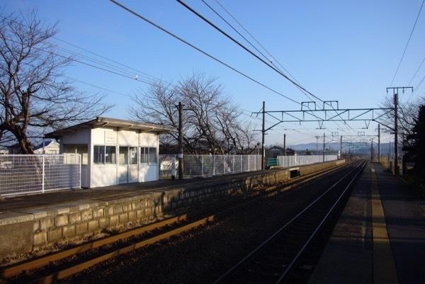 070104保内駅の朝