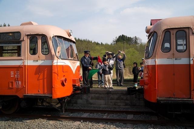 100502 南部縦貫鉄道レールバス連結