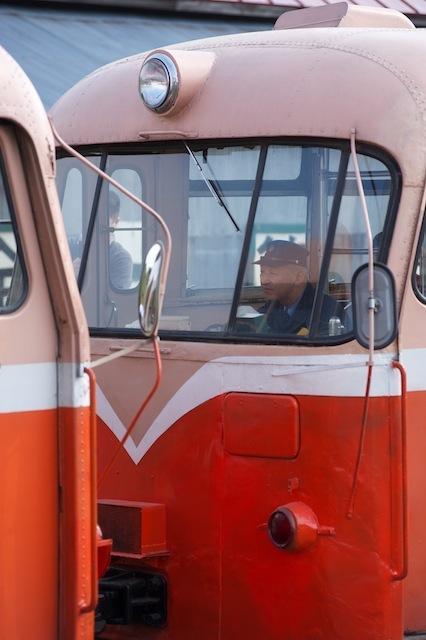 100502 2両目レールバスの運転席