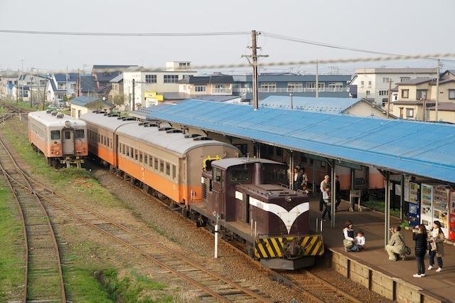 100505 津軽五所川原駅到着の客車列車