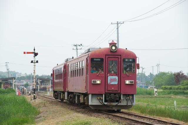 100613 若柳駅を出たくりでんKD95二連