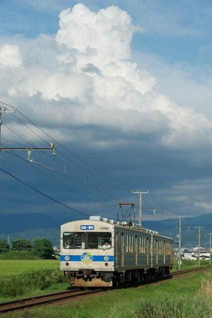 100807 新里〜運動公園前を走る7000系電車