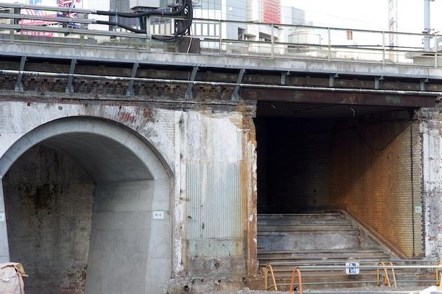 100903 旧万世橋駅ホームへの階段