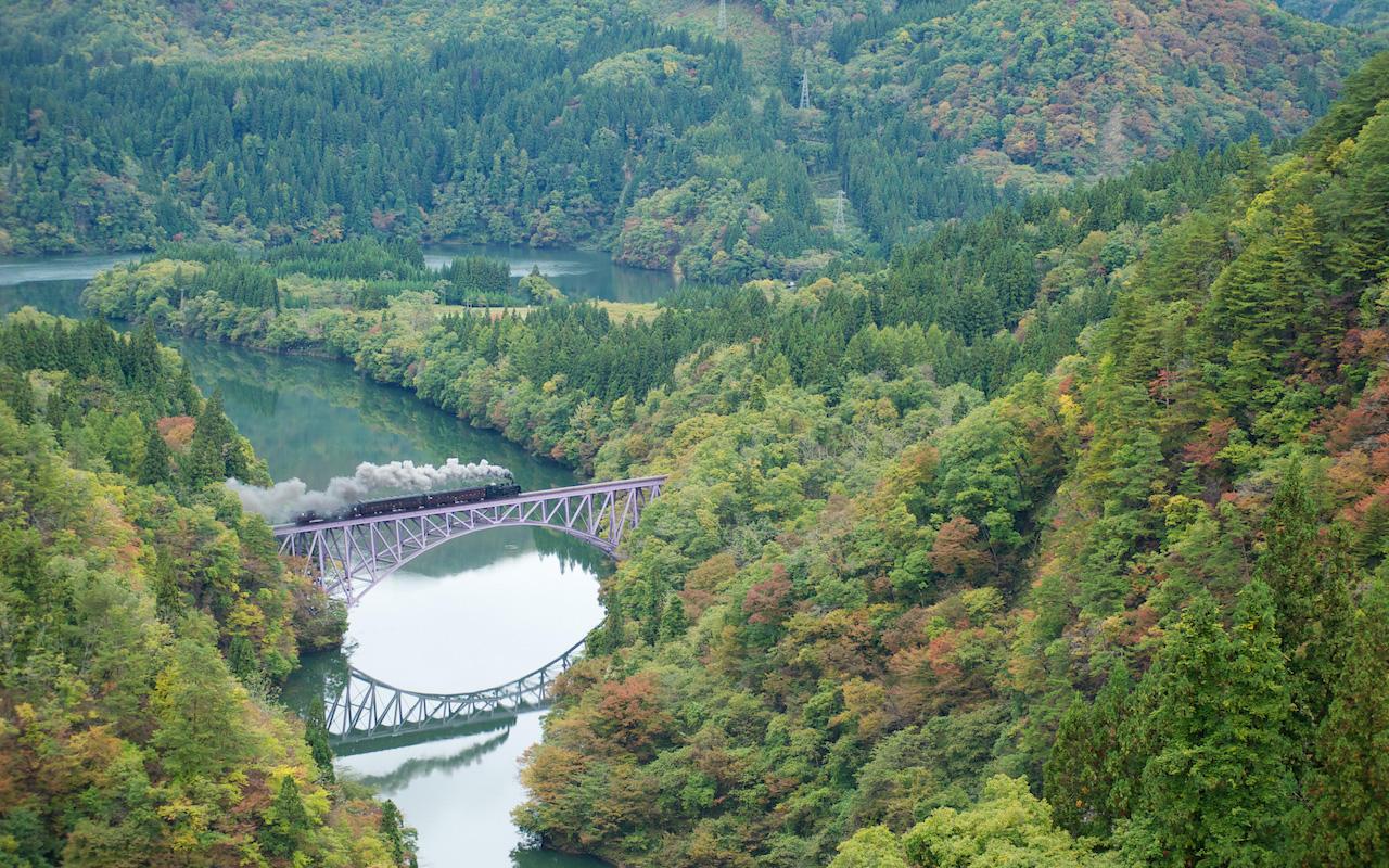 101031 第一只見川橋梁を渡る蒸機