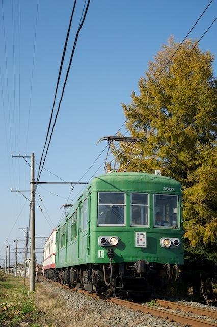 101113 七百を出る旧型電車
