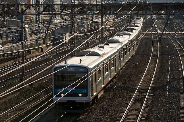 100117 横浜駅を出る京浜東北線209系