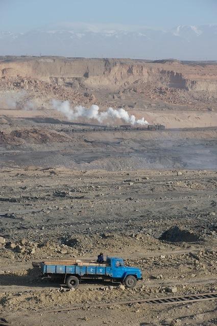 091229 ボンネットトラックと蒸機