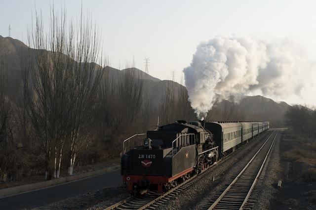 091230 六公里〜三冶錬を走る回送列車