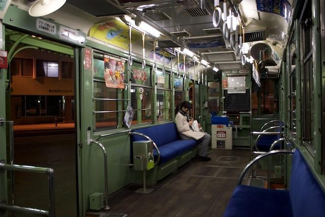 100218 伊予鉄道74号車車内