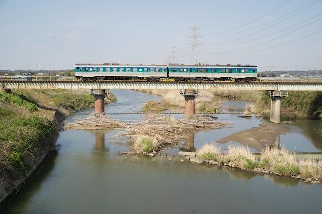 100322 小櫃川を渡る久留里線
