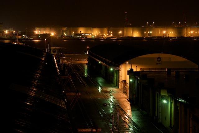 100416 川崎臨港倉庫から見た千鳥町線