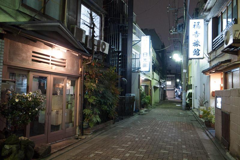110210 東上野の旅館街