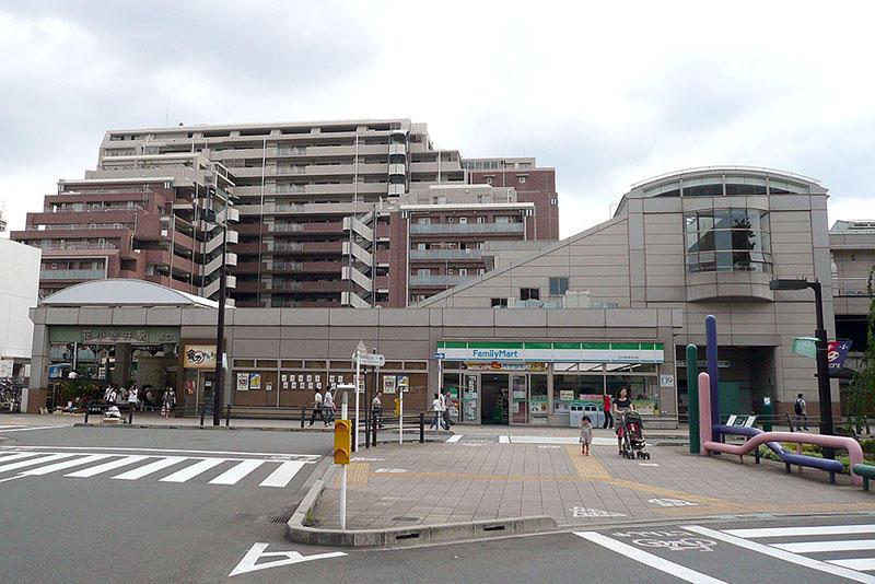 Wikipedia 「花小金井駅」より