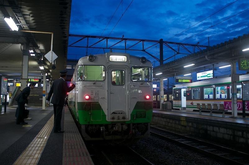 111203 会津若松停車中の会津川口行き4431D