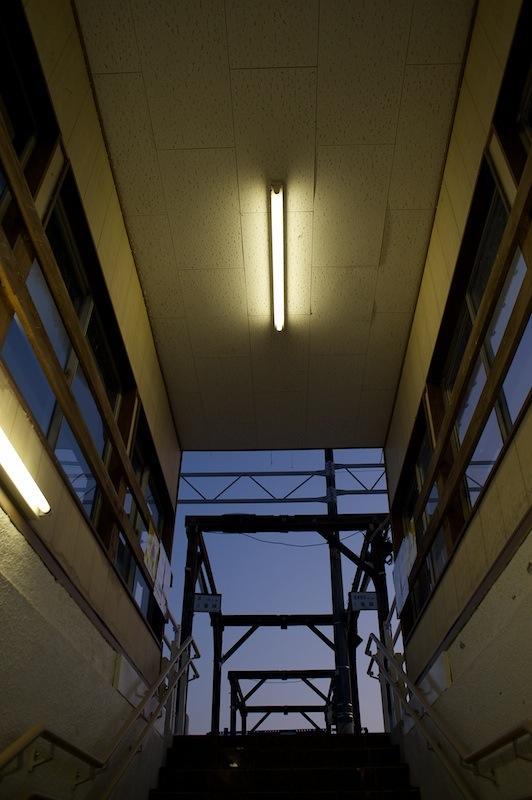 2012 01 01 磐梯町駅通路からホーム