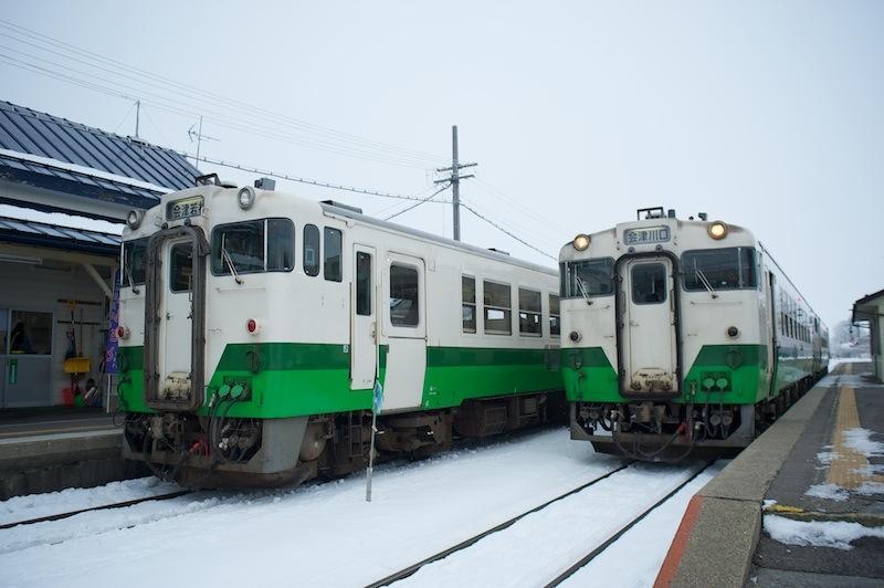 120102 会津坂下駅での交換