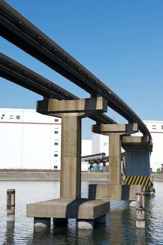 東京モノレールの橋脚