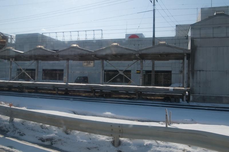 120401 バスから見た旧十和田市駅