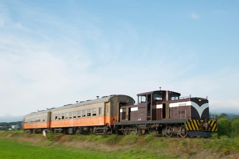 120804 深郷田〜大沢内を走る客車列車