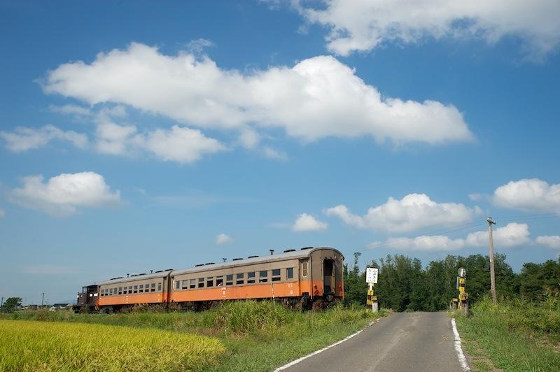 120916 踏切と列車