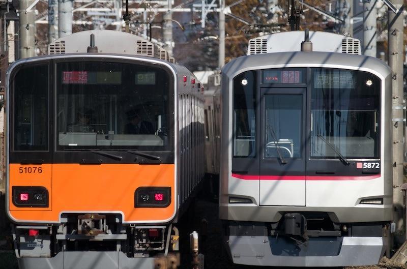 121208 すれ違う東武50070系と東急5050系