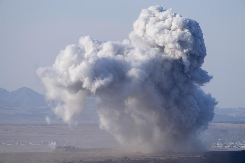 130101 東南側から見た阜新の噴煙