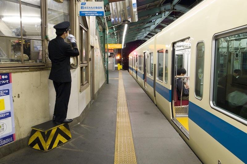 130320 小田急下北沢列車監視