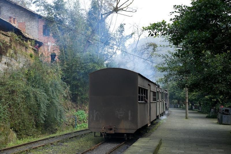 131230 黄村井を出る普通列車