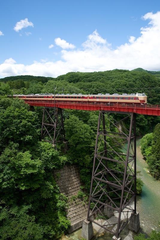 140614 熊ヶ根鉄橋を走る485系