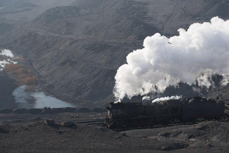 141228 炭鉱の池と蒸機