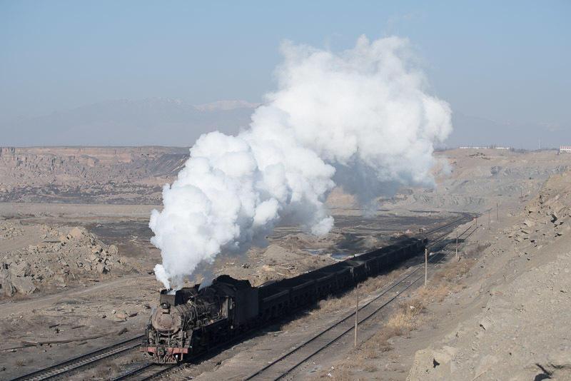141231 坑口站に入る蒸機