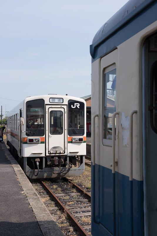 20150517 那珂湊駅のキハ11 203とキハ222