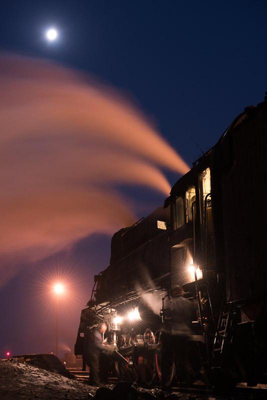 151228 月と通勤用蒸機
