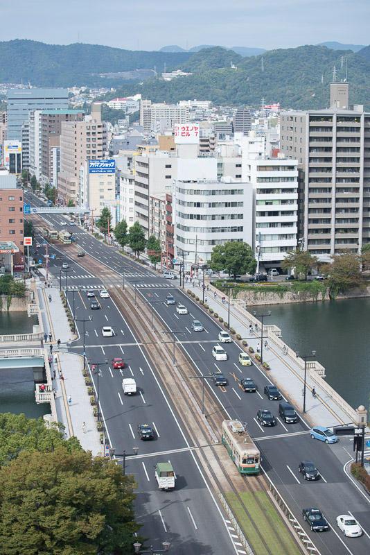 161016 おりづるタワーより相生橋を渡る1900形