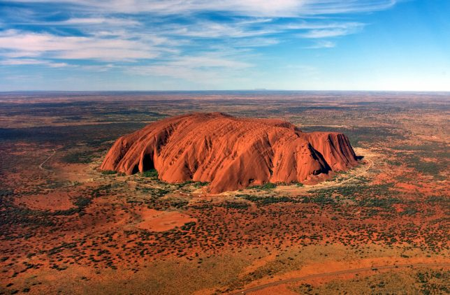 uluru_helicopter_view_cropped