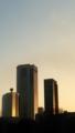 [twitter] 夕陽に燃える摩天楼っていいよね。