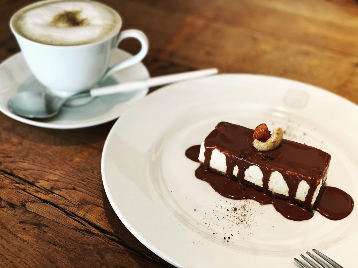 ショコラチーズケーキ ほうじ茶ラテ(ホット)