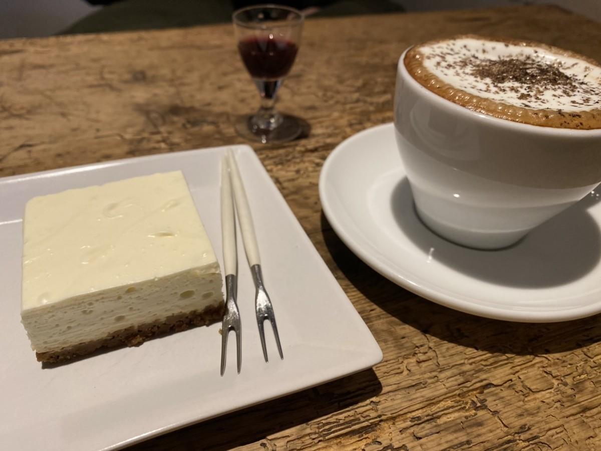レアチーズケーキ カフェモカ ぶどうジュース