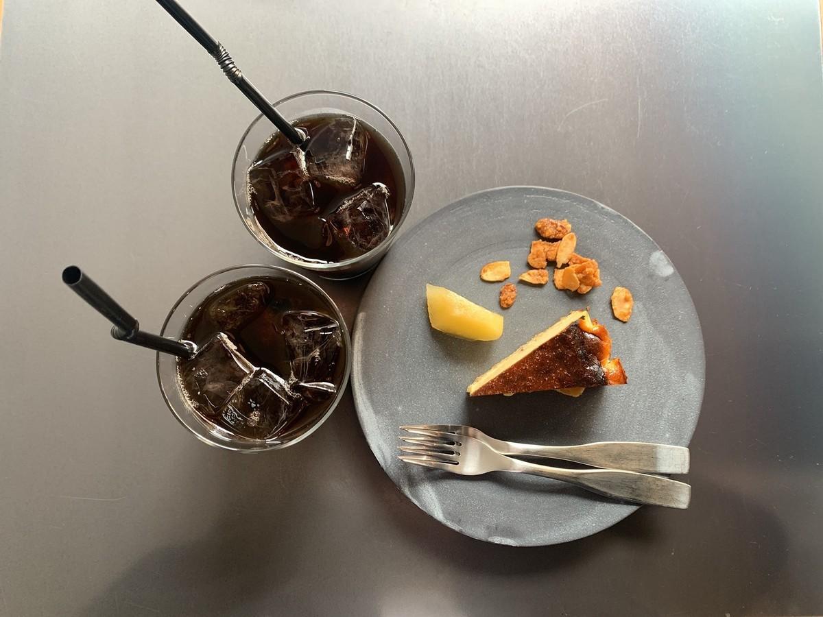 ジンジャーバスク アイスコーヒー